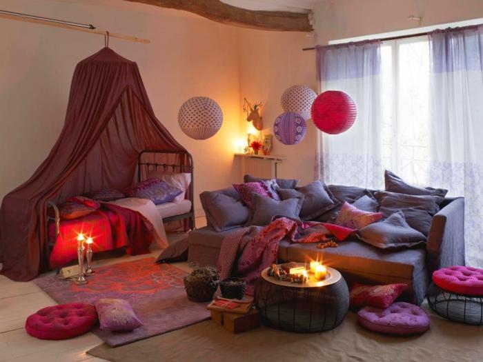 salon et chambre à coucher décorés en lilas