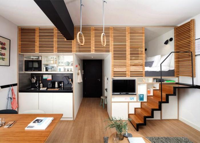studio moderne avec des meubles en bois