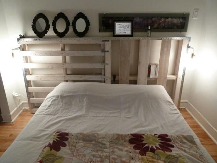 tête de lit en palettes aspect brut