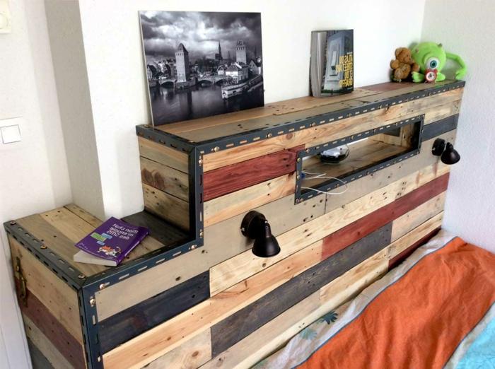 tête de lit en bois et métal