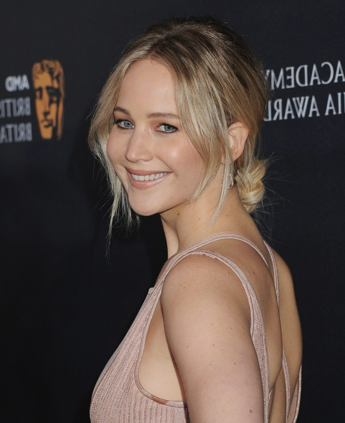 jennifer lawrence et son balayage blond