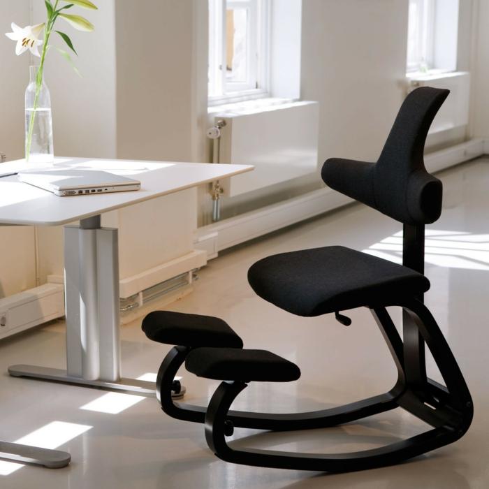 une chaise ergonomique qui peut être utilisé à maison mais aussi au bureau