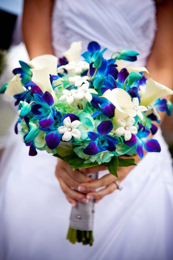 composition florale mariage, un bouquet d'orchidées ,callas