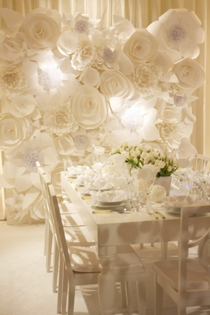 Composition florale mariage en fleurs de papier
