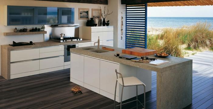 cuisine avec des comptoirs de marbre