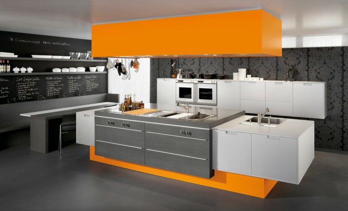 cuisine en gris et orange