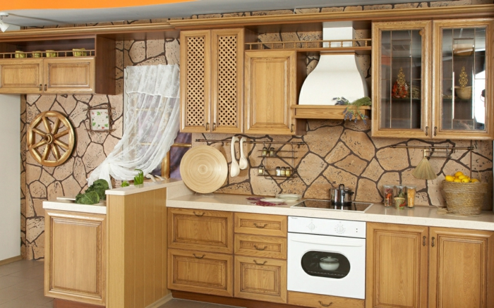 cuisine en bois avec des pierres