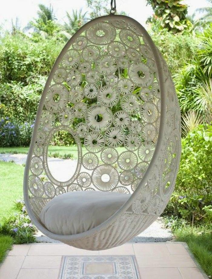 fauteuil en rotin blanc