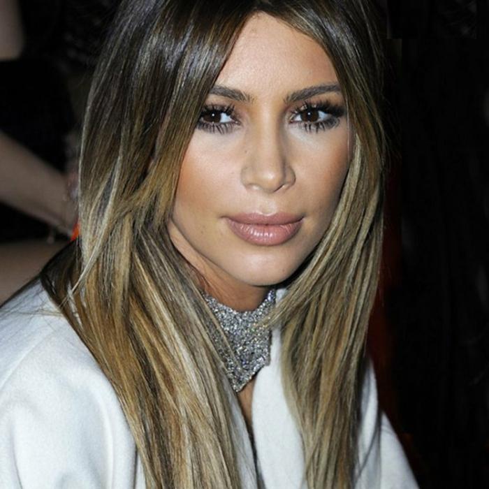 kim kardashian a décidé d'opter pour le contraste des couleurs