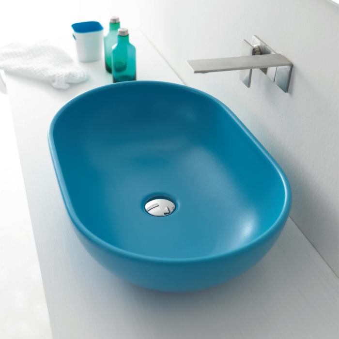 par exemple c'est un lavabo oval en céramique bleue