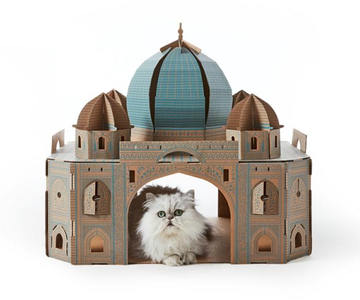 certains maîtres créent évidemment des abris extravagants pour ses chats