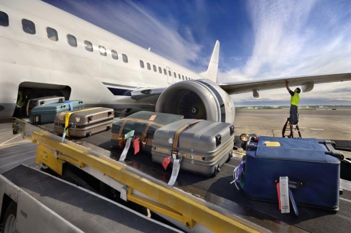 on doit éviter de porter beaucoup de bagage