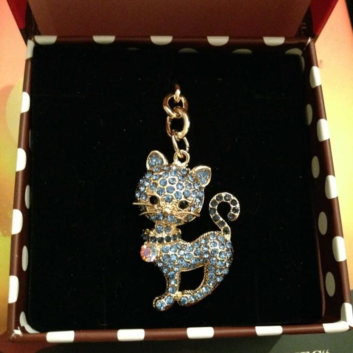 porte-clef chat féminin