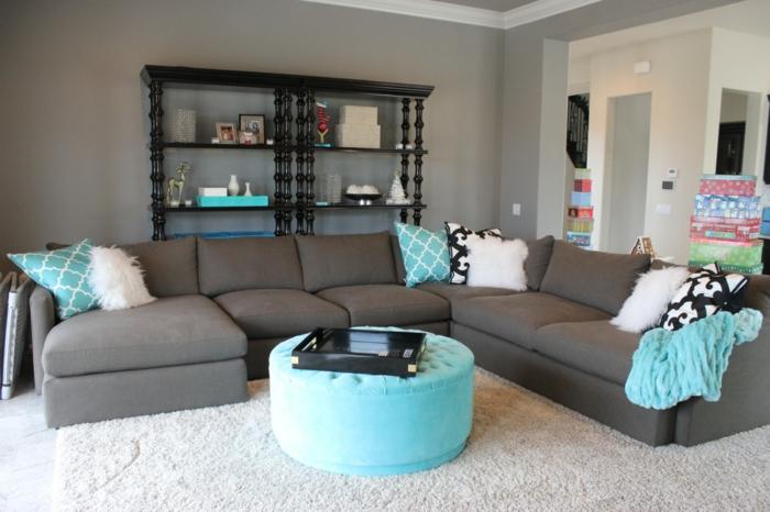 le gris et le bleu présents dans le salon