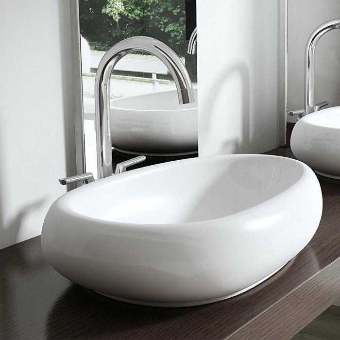 vasque en céramique blanche à poser