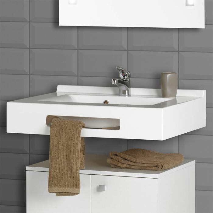 Installer un meuble de salle de bain suspendu pictures for Installer lavabo salle de bain
