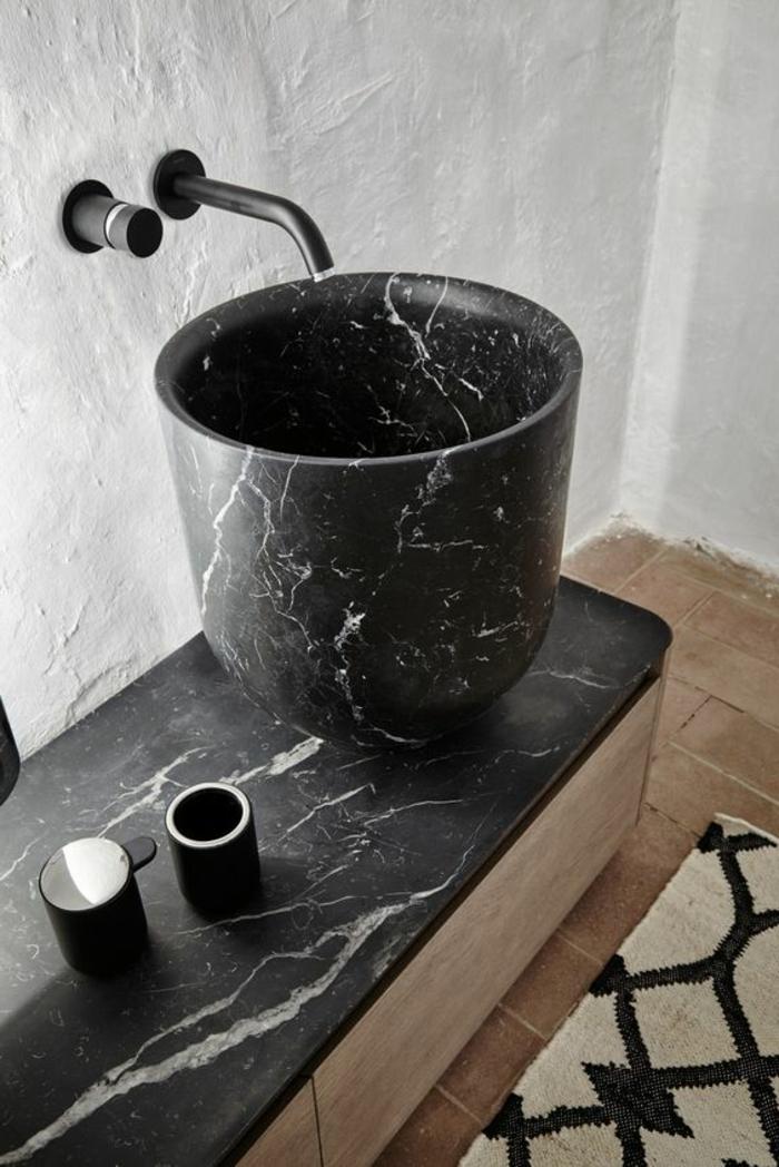c'est effectivement une bonne idée d'opter pour une vasque en marbre noir
