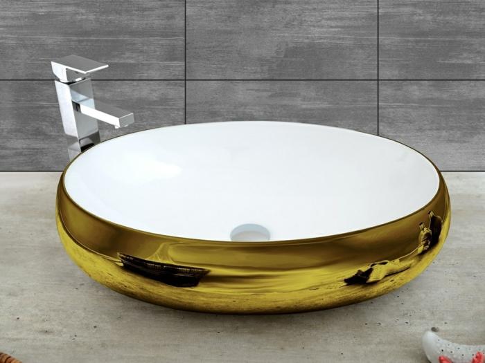 effectivement la vasque couverte d'or est magnifique