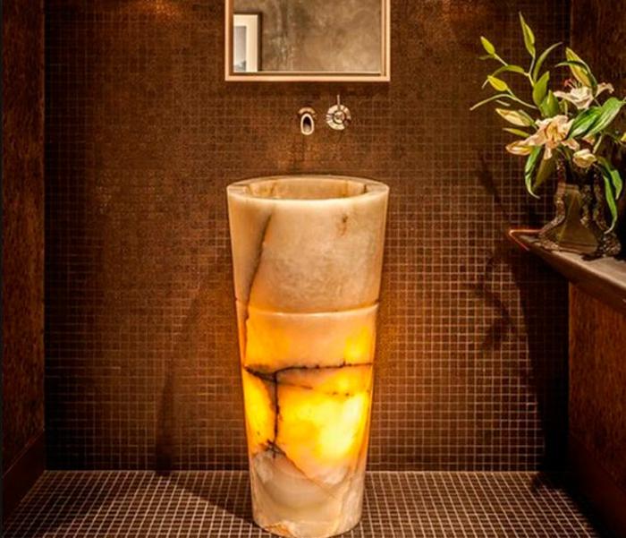 vasque en pierre colonne lumineux