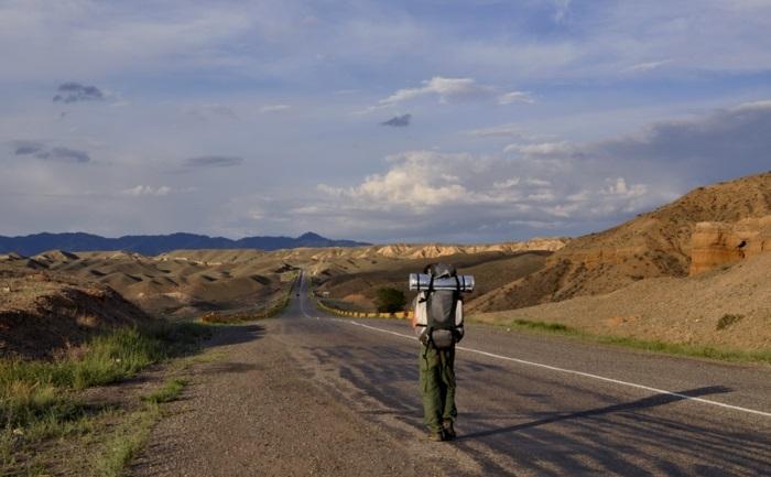 comment économiser de l'argent voyager gratuitement en auto-stop