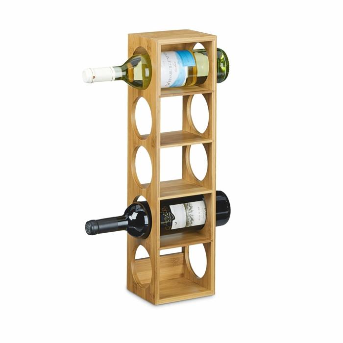 pour une petite cuisine une étagère à vin