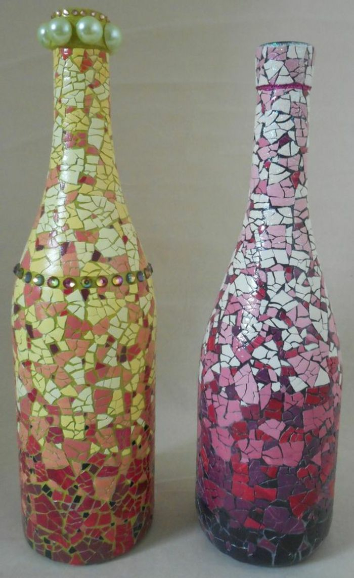 Décoration bouteille en verre à l'aide des coquilles d'oeufs