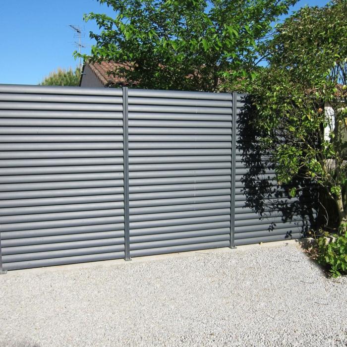 par exemple c'est une clôture en aluminium