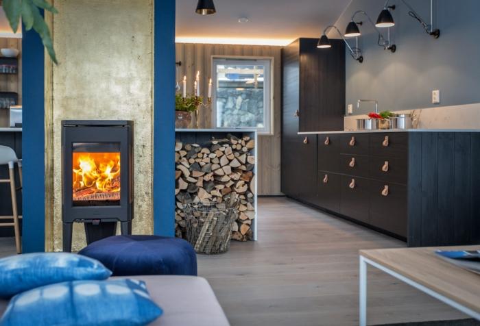 par exemple c'est une cuisine scandinave avec des accents en bleu
