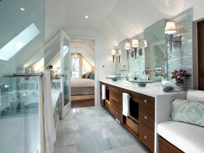 marbre et bois dans une salle de bains