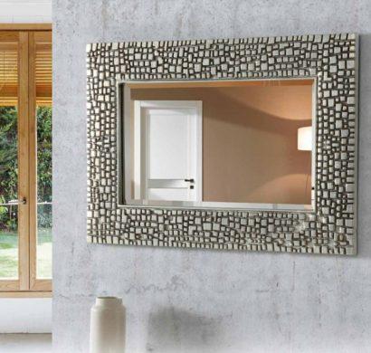 La place du miroir mural dans l\'intérieur contemporain
