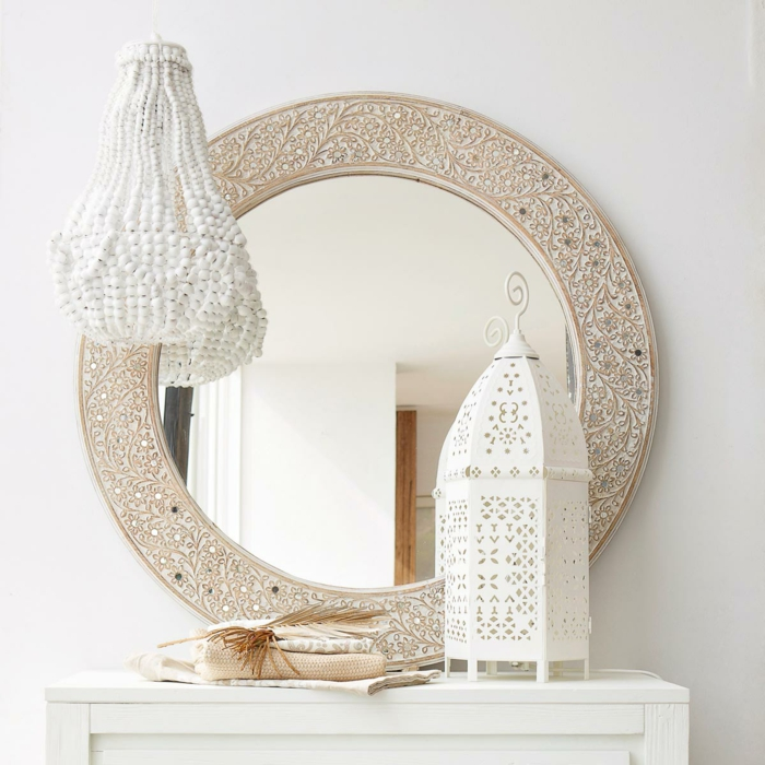 en effet les miroirs ronds sont intemporels
