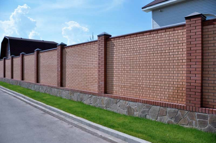 palissade briques et pierre