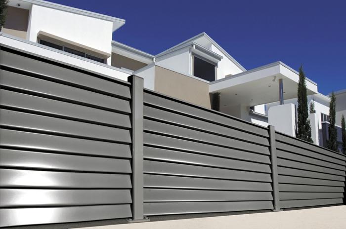 par exemple c'est une palissade en aluminium