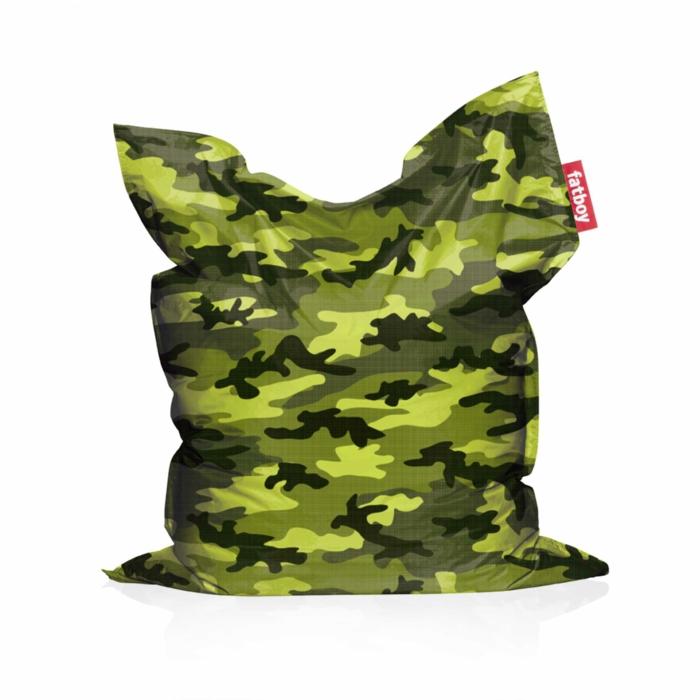 par exemple c'est un pour géant camouflage vert