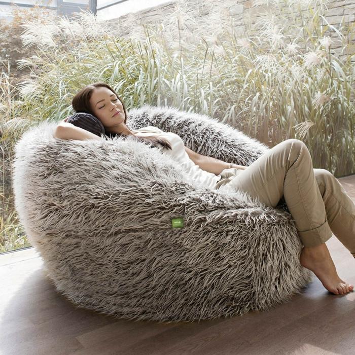 pouf g ant confortable et adaptable chaque int rieur. Black Bedroom Furniture Sets. Home Design Ideas
