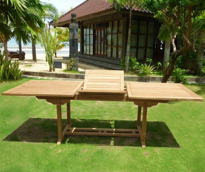 par exemple c'est une table en teck de jardin pour 10 personnes