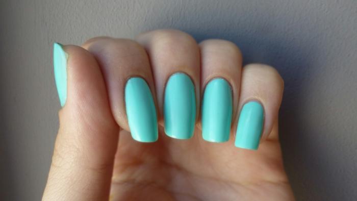 vernis à ongles pour l'été