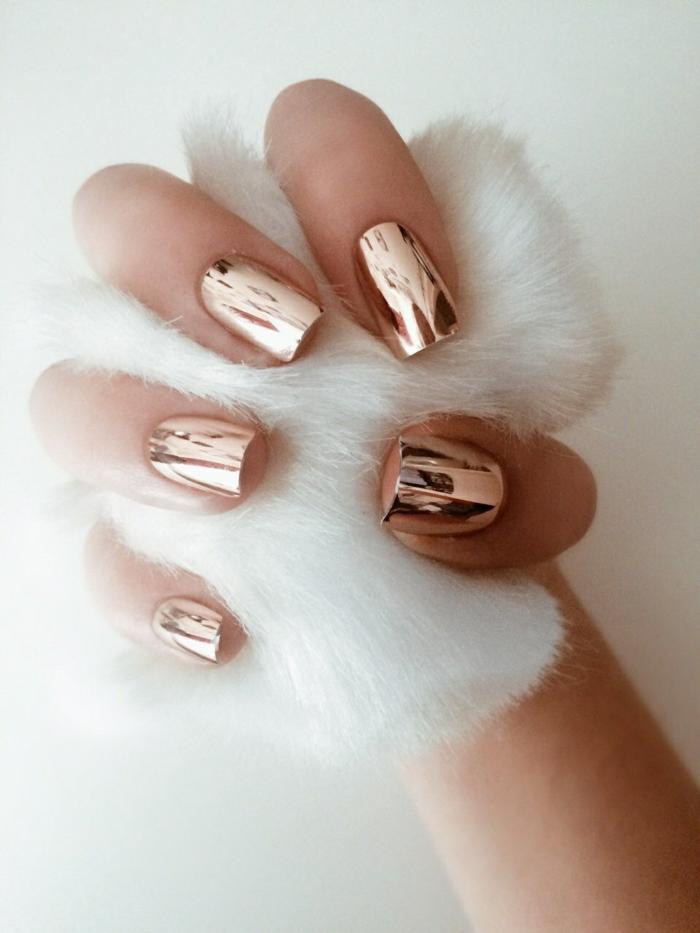 tendance vernis à ongles métallique