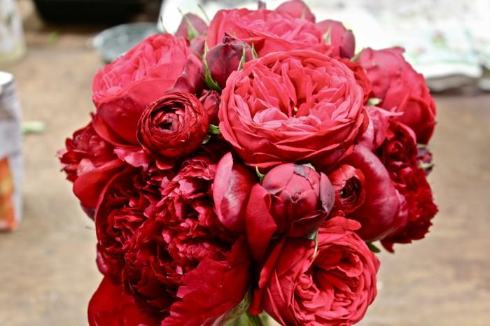 bouquet de mariée de pivoines
