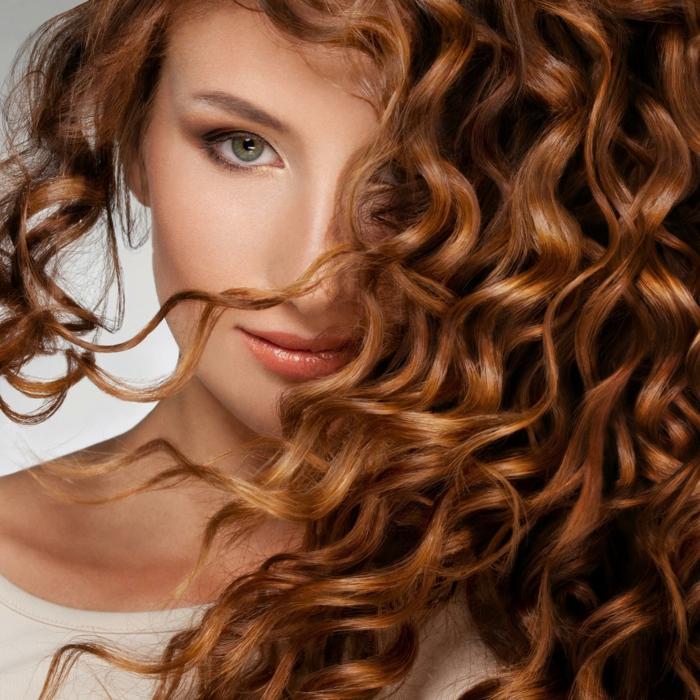 cures naturelles pour les cheveux avec de l'huile de coco