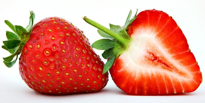 fraise fraîche coupée