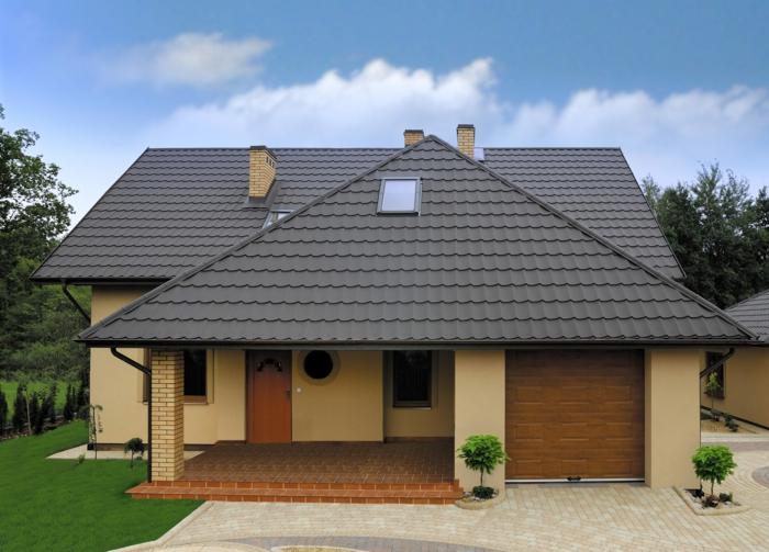 par exemple c'est une maison avec toiture bac en acier