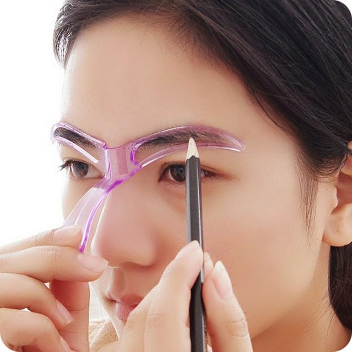 outil de maquillage sourcils