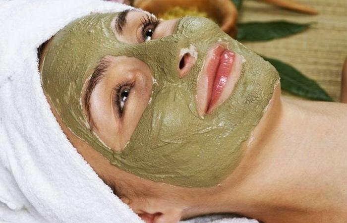 masque au rhassoul sur le visage