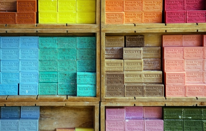 par exemple ce sont des savons de marseille avec de différents parfums