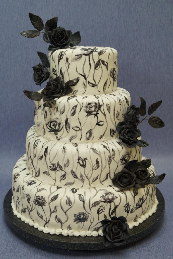 par exemple c'est une tarte mariage avec des fleurs noires