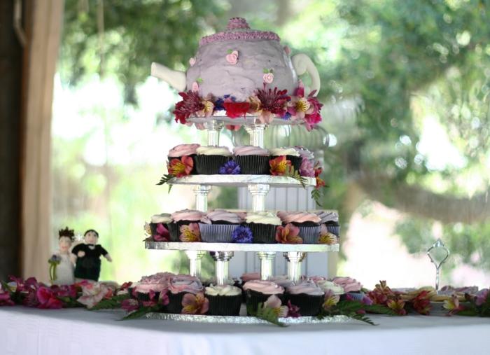 tarte mariage composée de petits gâteaux