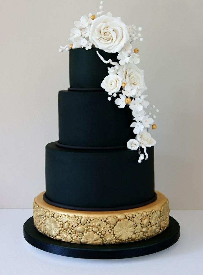 par exemple c'est une tarte mariage décidée en noir
