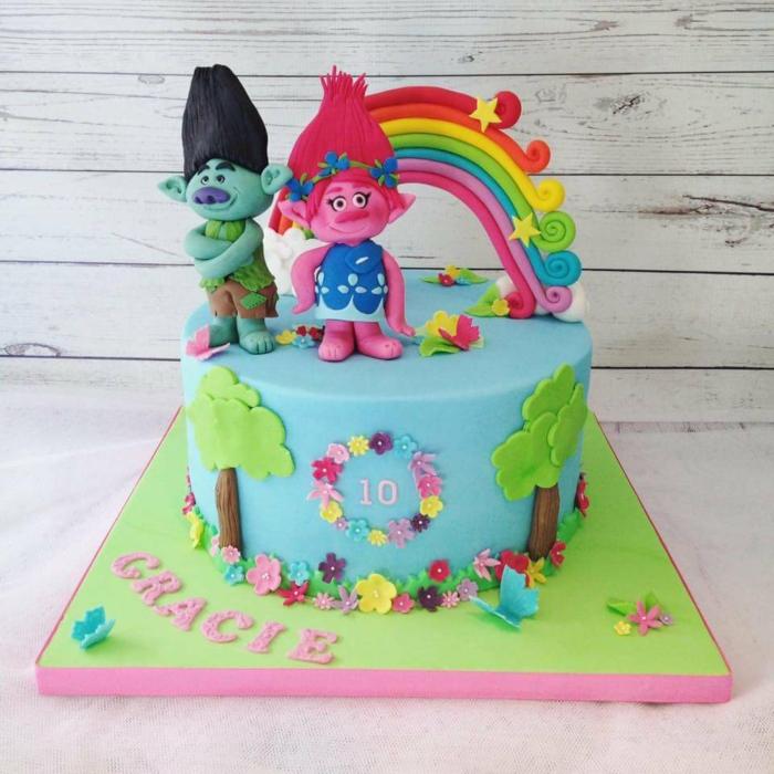 les trolls gâteau d'anniversaire