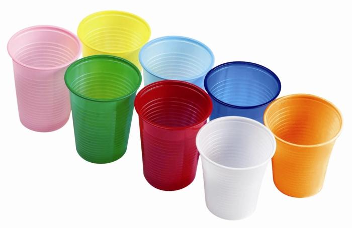 verres en plastique